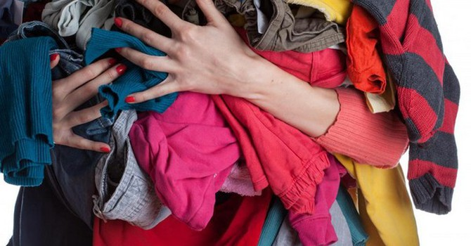 Một vài tắm chăn mền cũ giúp chống va đập khi chuyển nhà