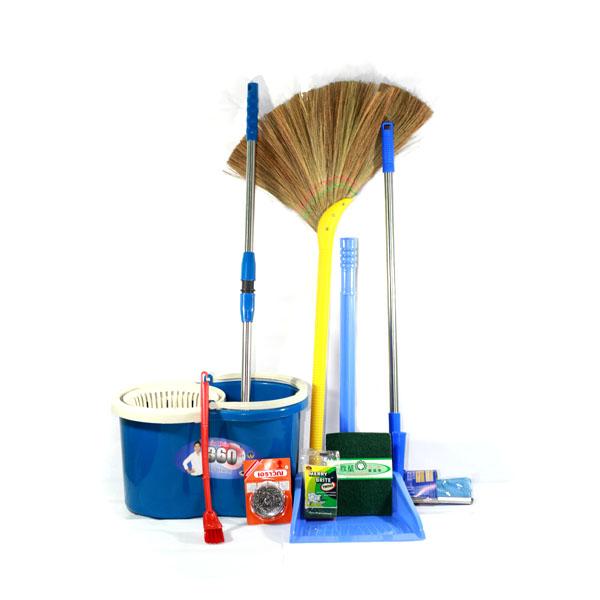 Thùng rác và các dụng cụ vệ sinh