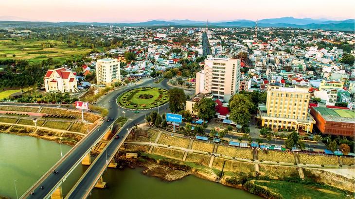Dịch vụ cho thuê xe tải chở hàng Sài Gòn đi Kon Tum