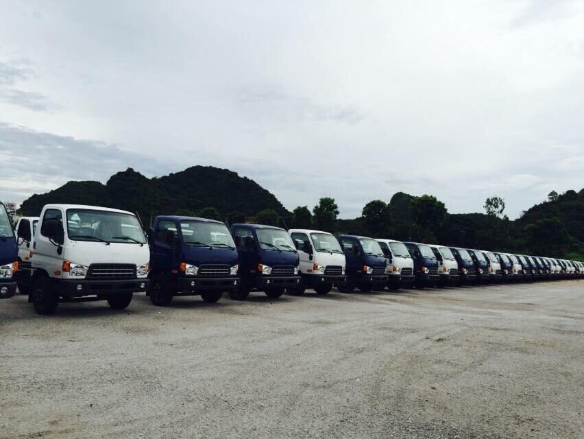 Đội ngũ xe tải chuyên chở hàng qua các quận huyện và các tỉnh thành