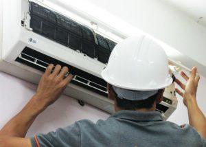 Kỹ thuật viên thao lắp di dời máy lạnh chuyên nghiệp