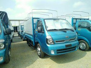 Kích thước thùng xe tải 1 tấn 25 là: 3,1m x 1.6m x 1.7m (dài x rộng x cao)