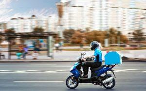 Vận chuyển bằng xe máy sẽ linh hoạt hơn