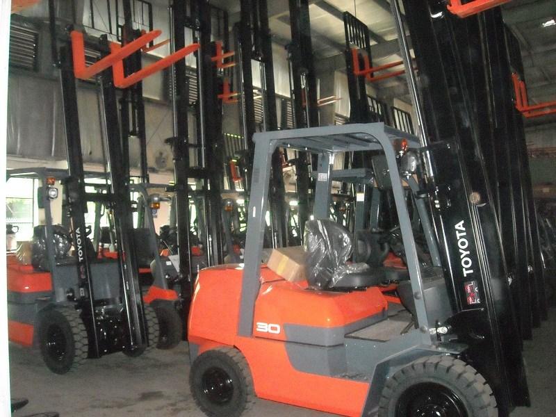 Dịch vụ cho thuê xe nâng hàng giá rẻ quận Tân Bình