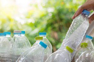 Top 9 cách tái chế chai nhựa làm vật dụng hữu ích trong gia đình