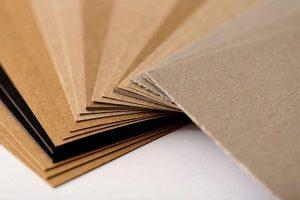 Bìa carton cứng là gì? Ứng dụng của bìa carton cứng
