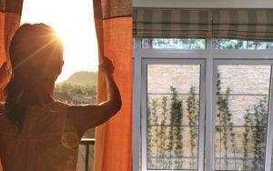 Hãy chắc chắn rèm cửa phòng của bạn được kéo kín trong khoảng thời gian nắng nóng gay gắt nhất.