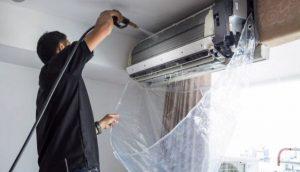 [Hướng dẫn] Cách vệ sinh máy lạnh tại nhà đơn giãn và sạch sẽ